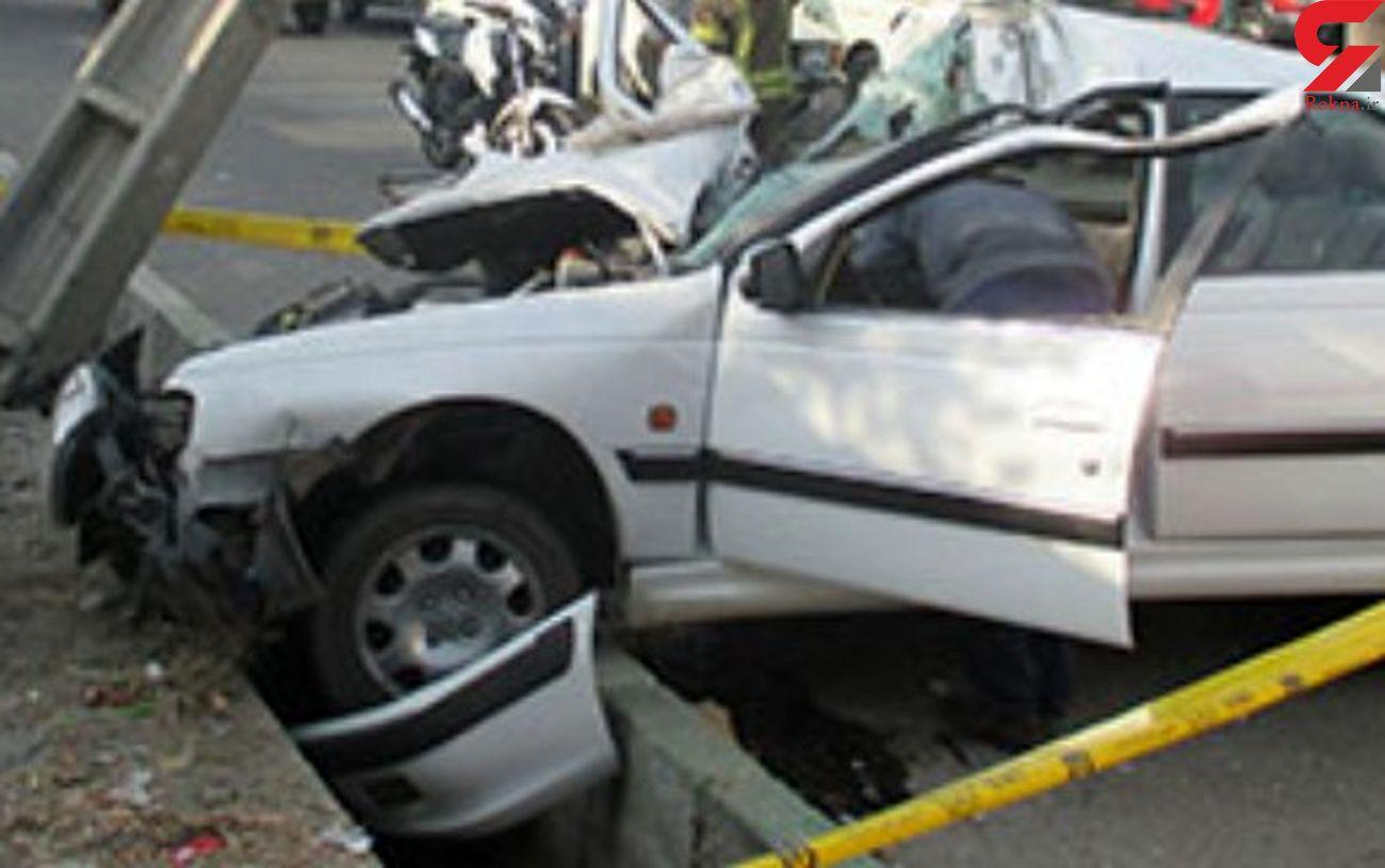 تصادف مرگبار پژو پارس با تیر چراغ برق در جهرم