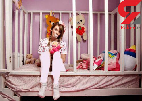 عشق دختر نوجوان به خوردن پستانک کودکی+عکس