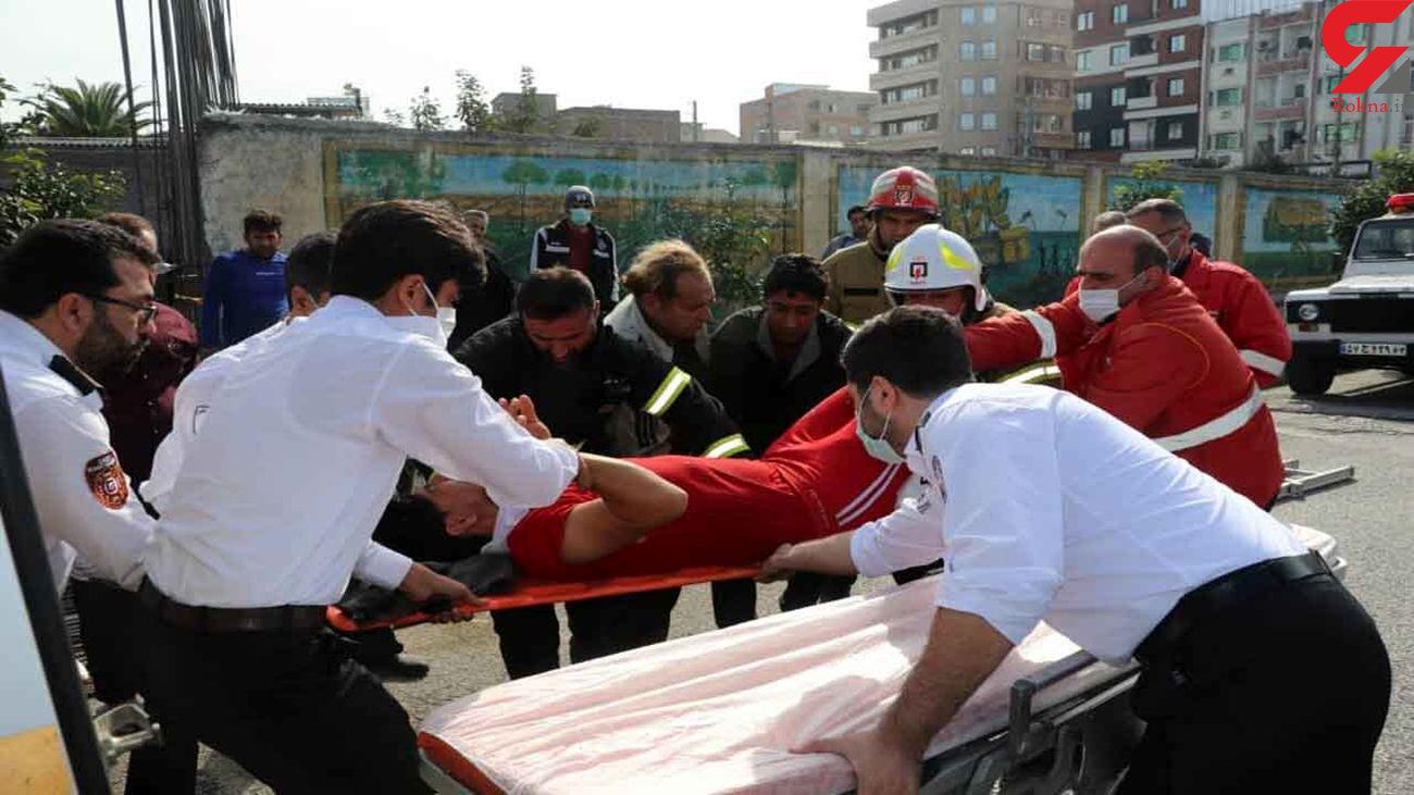 نجات معجزه آسای کارگر سقوط کرده از ساختمان / در ساری رخ داد + عکس