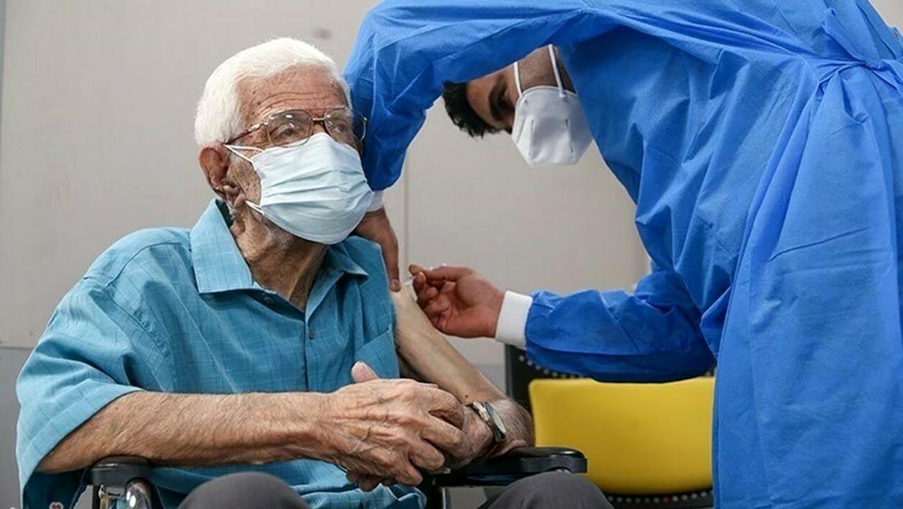 """احتمال نیاز به تزریق دُز """"بوستر"""" برای سالمندانی که واکسن سینوفارم دریافت کردند"""