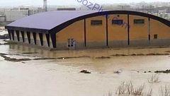 زیر آب رفتن سالن دانشگاه پیام نور شهرستان دورود+عکس