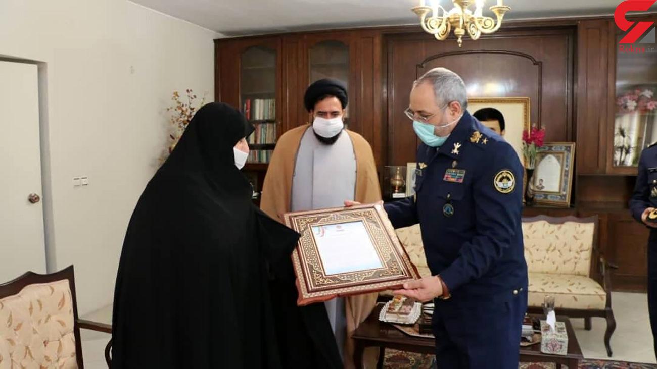 امیر سرتیپ نصیرزاده با همسر شهید سپهبد علی صیاد شیرازی دیدار کرد