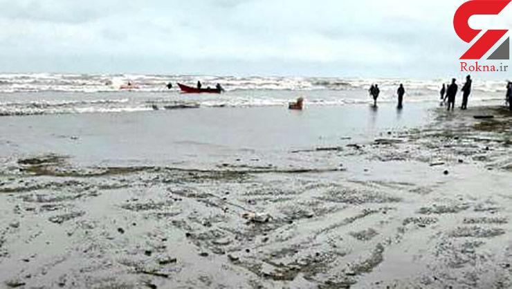 واژگونی قایق صیادان در امواج خروشان ساحل انزلی / یک صیاد ناپدید شد