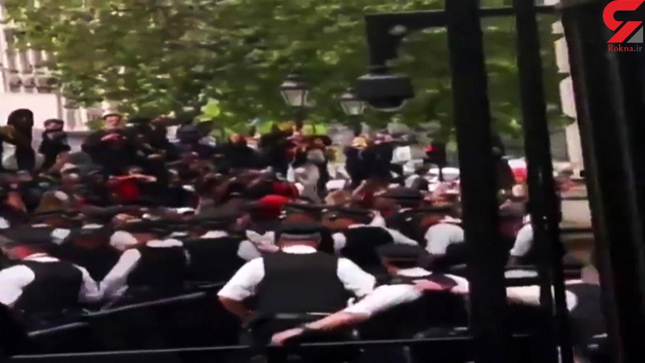 درگیری پلیس انگلیس با معترضان به قتل جورج فلوید + فیلم