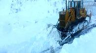 نجات  سرنشینان خودروی گرفتار در برف قزوین