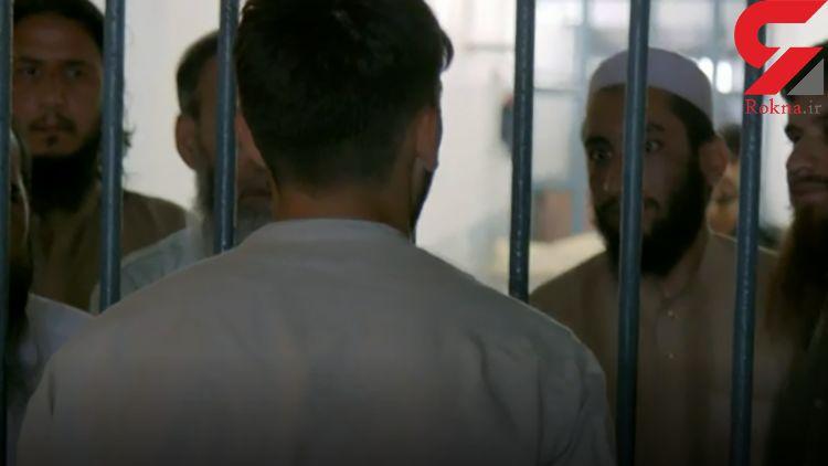 اولین عکس ها از داعشی ها در زندان /  گزارش تنها خبرنگاری که به میان وحشت رفت