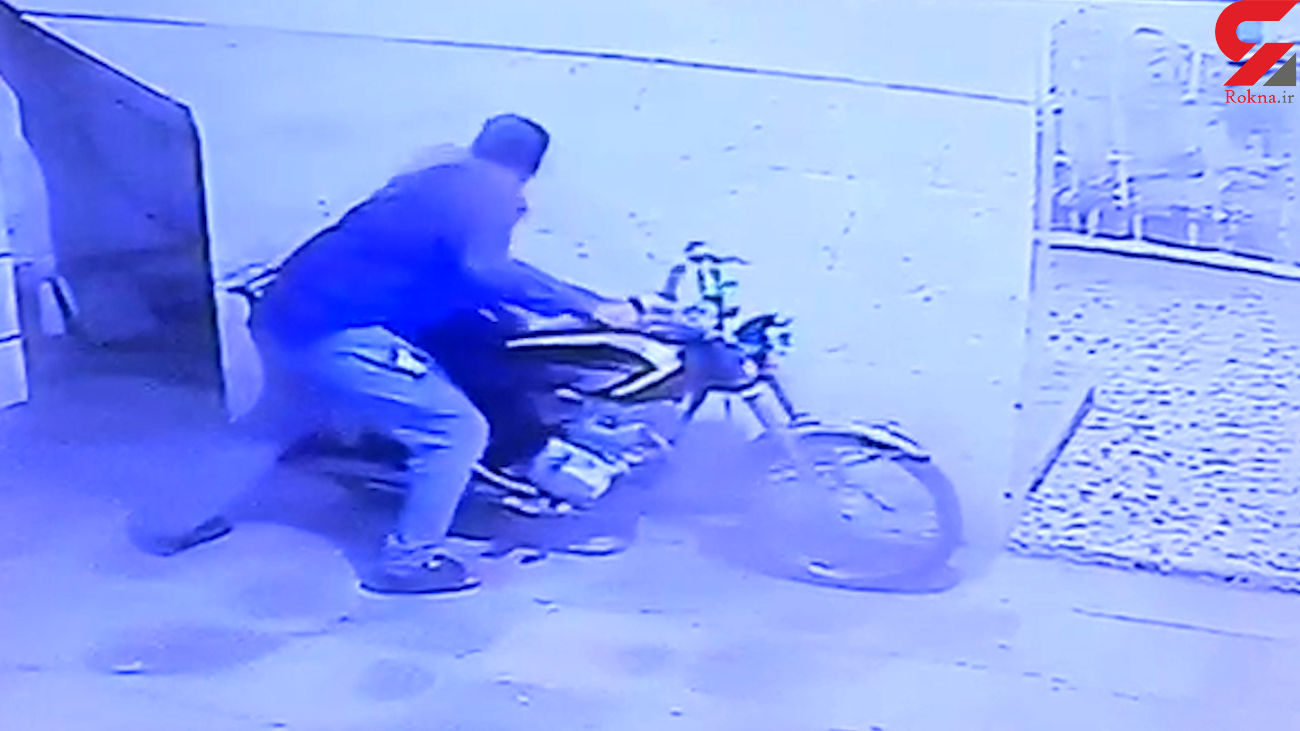 فیلم لحظه سرقت دزد خونسرد از پارکینگ / در خرمشهر رخ داد