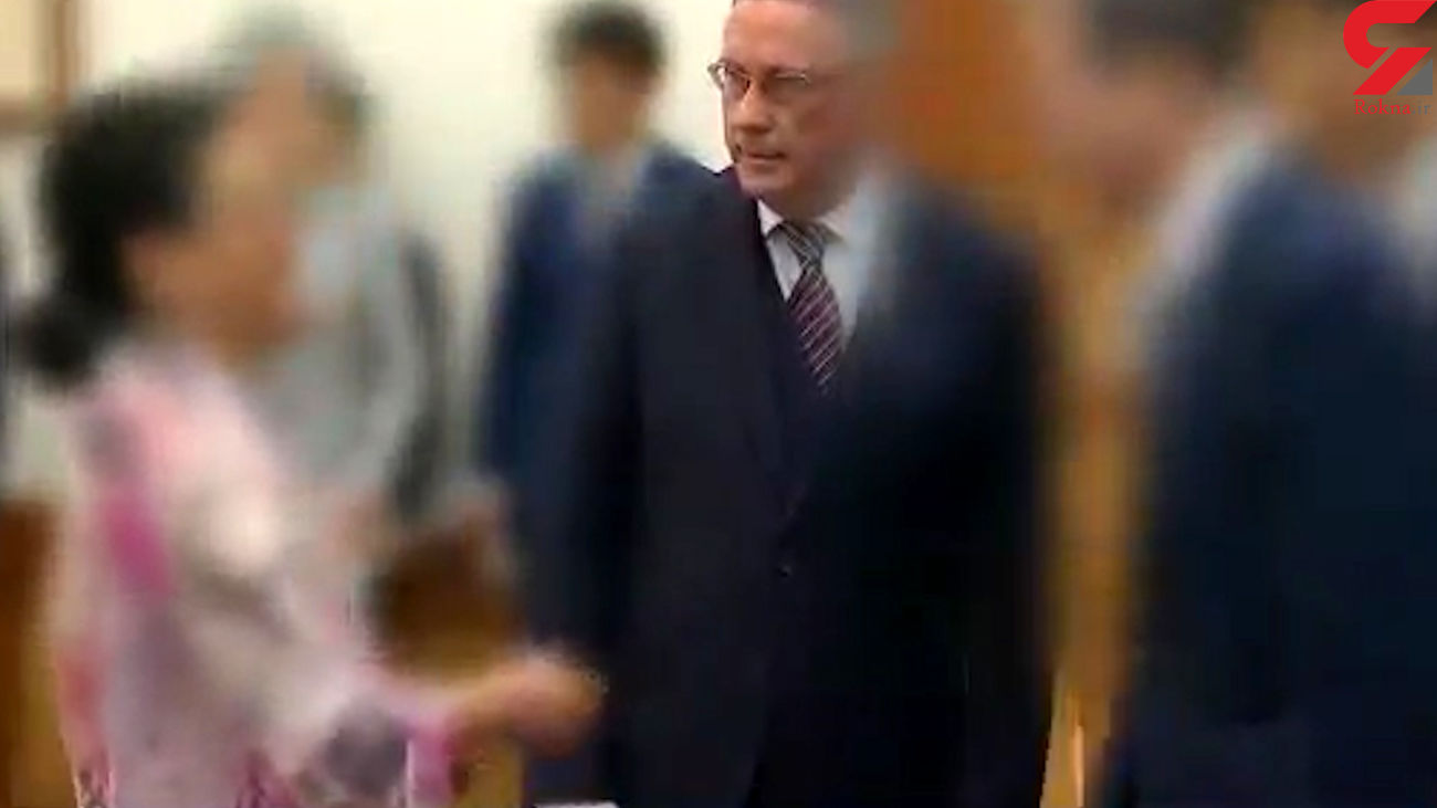فیلم لحظه سیلی زدن زن سفیر بلژیک به صورت صندوقدار فروشگاه