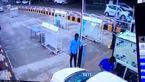 فرار عجیب یک خودرو از پرداخت کردن عوارضی + فیلم