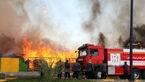 آتش سوری در شرکت کرمان موتور / خودروهای صفرکیلومتر چه سرنوشتی خواهند داشت؟ +عکس