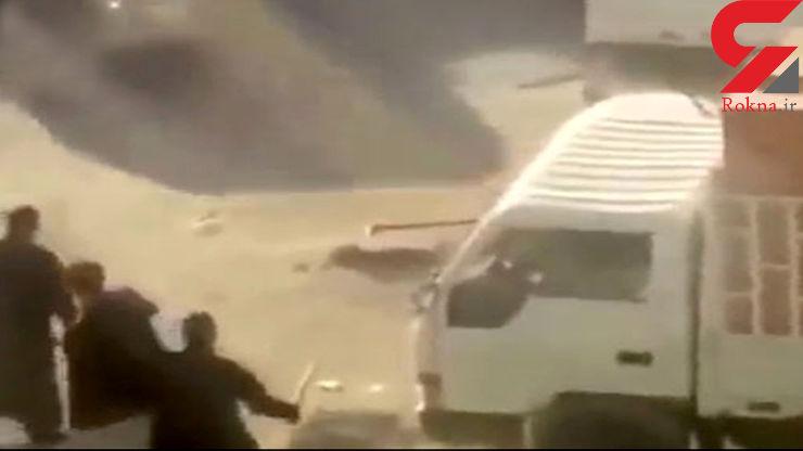 فیلم لحظه رفتار وحشیانه راننده کویتی با 3 کارگر+عکس