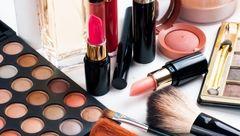 12 ترفند آرایشی برای زیباتر شدن زنان مسن