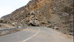 ریزش کوه در جادههای هراز و کندوان