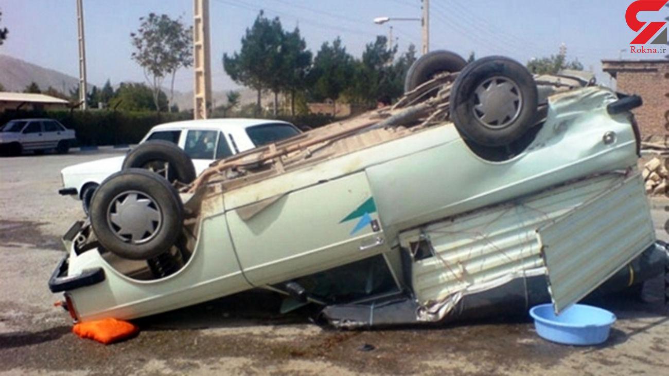 واژگونی وانت پیکان جان راننده را گرفت