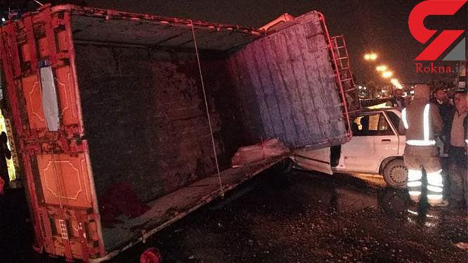 واژگونی کامیونت خاور بر روی پراید حادثه آفرید + عکس