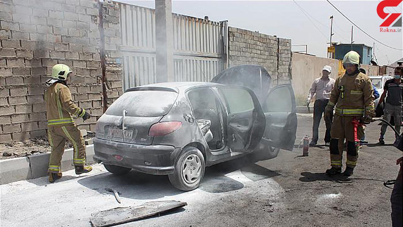 عکس مهار به موقع آتش سوزی خودرو سواری در دولت آباد
