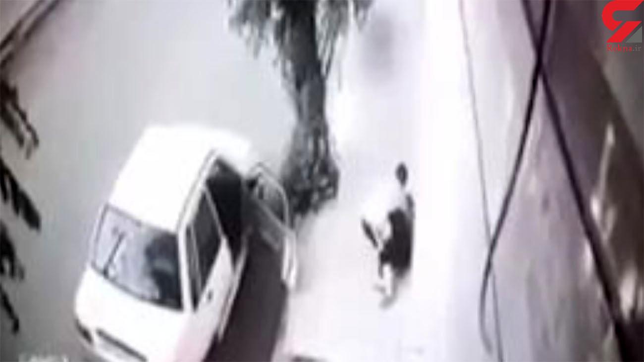 فیلمی وحشتناک از ضرب و شتم زن جوان ایرانی در خیابان