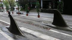 تصاویری دیدنی از اقدام جالب چینی ها در پیاده رو