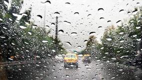 توصیه های پلیس راهور کرمانشاه برای جلوگیری از تصادف در هوای بارانی