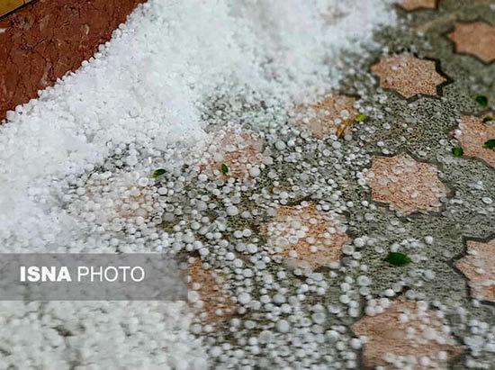 بارش شدید تگرگ در بندرعباس +عکس
