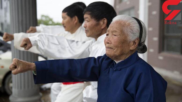 پیرزن 93 ساله ای که به خاطر حرکاتش در شبکه های اجتماعی معروف شد+عکس
