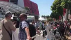 فیلم قبل از افتتاحیه مراسم کن و حال هوای مردم در این جشنواره