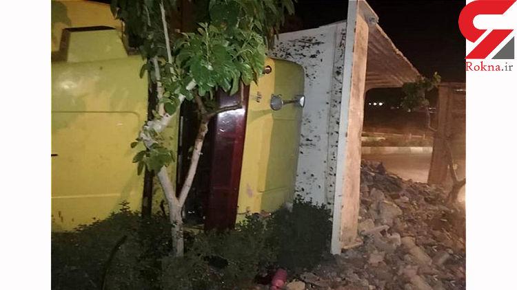 واژگونی کامیون کمپرسی در پونک