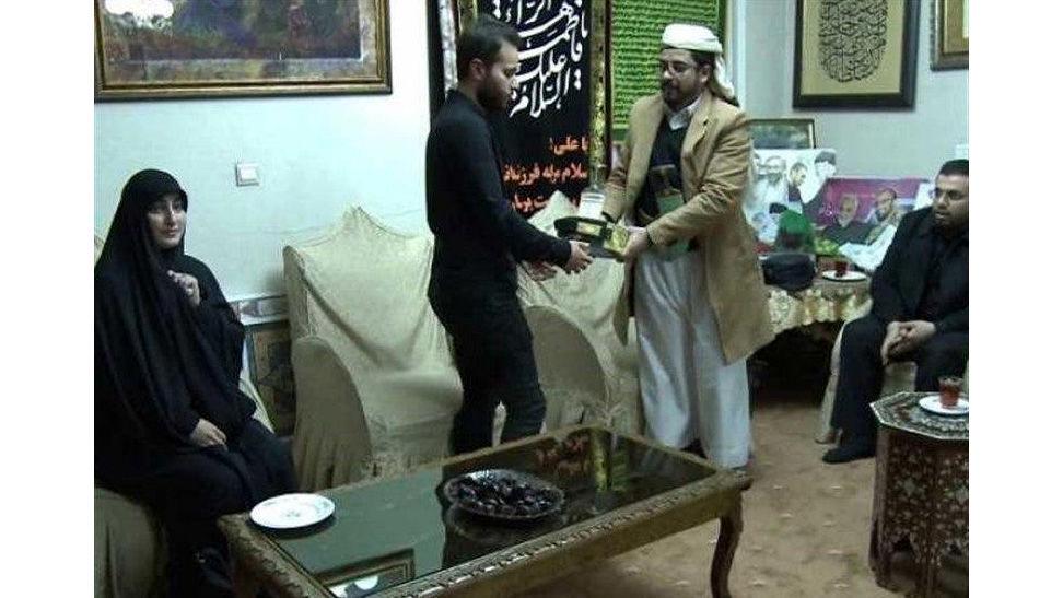 حضور سفیر یمن در منزل سردار شهید قاسم سلیمانی