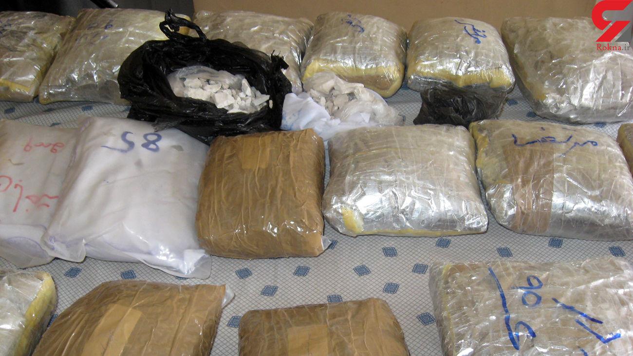 کشف 2 ونیم تن مواد مخدر و 55 ھزار لیتر سوخت قاچاق در استان کرمان