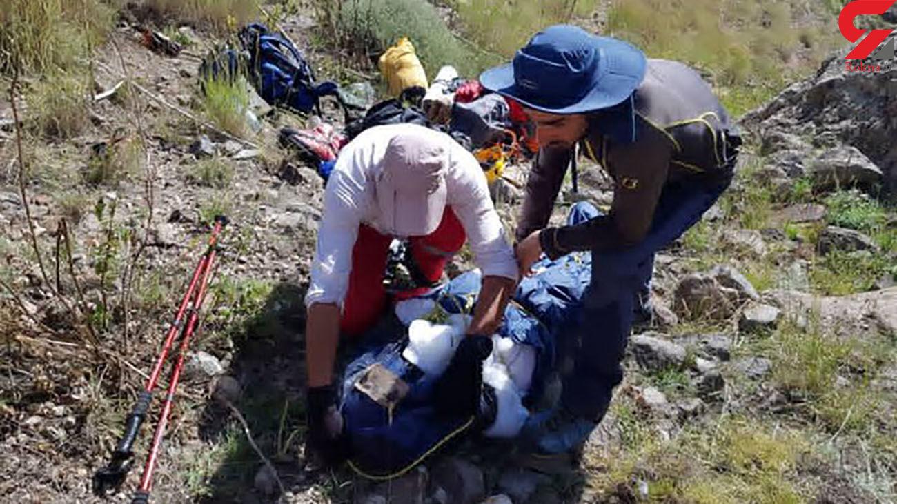 تلاش تیم امداد و نجات کوهستان کرمان برای نجات ۳ سنگ نورد