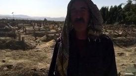 مرد روستایی راز گورهای دستهجمعی قربانیان زلزله را گفت + فیلم و عکس