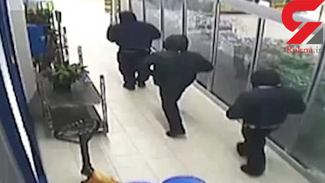 حمله مسلحانه دزدان نقابدار به یک فروشگاه + فیلم