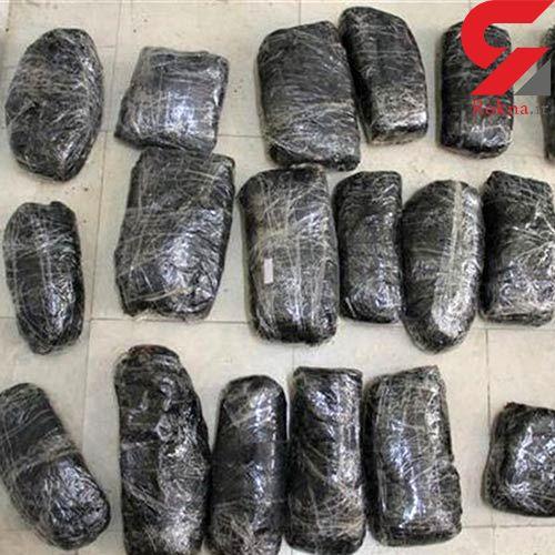 ۱۰۰ کیلوگرم تریاک در اتوبان قم به تهران کشف شد/دو قاچاقچی دستگیر شدند