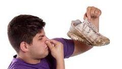 راه های از بین بردن بوی بد کفش دانش آموزان