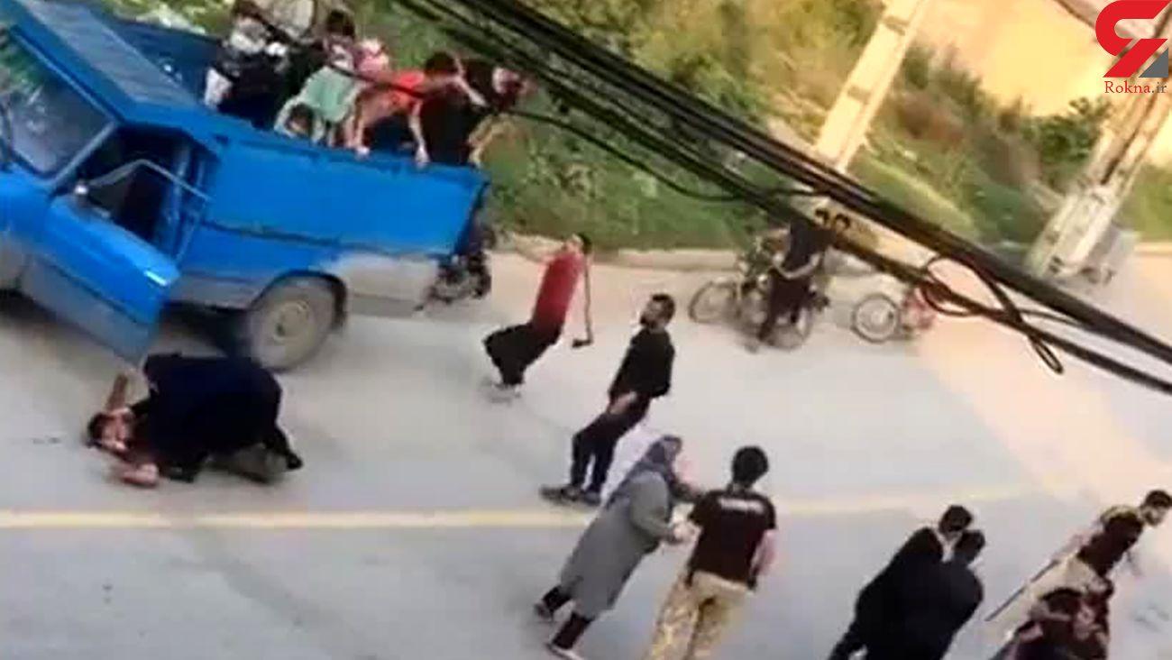 فیلم هولناک از حمله با تبر به مسافران گرگان / زنان فقط جیغ می کشیدند