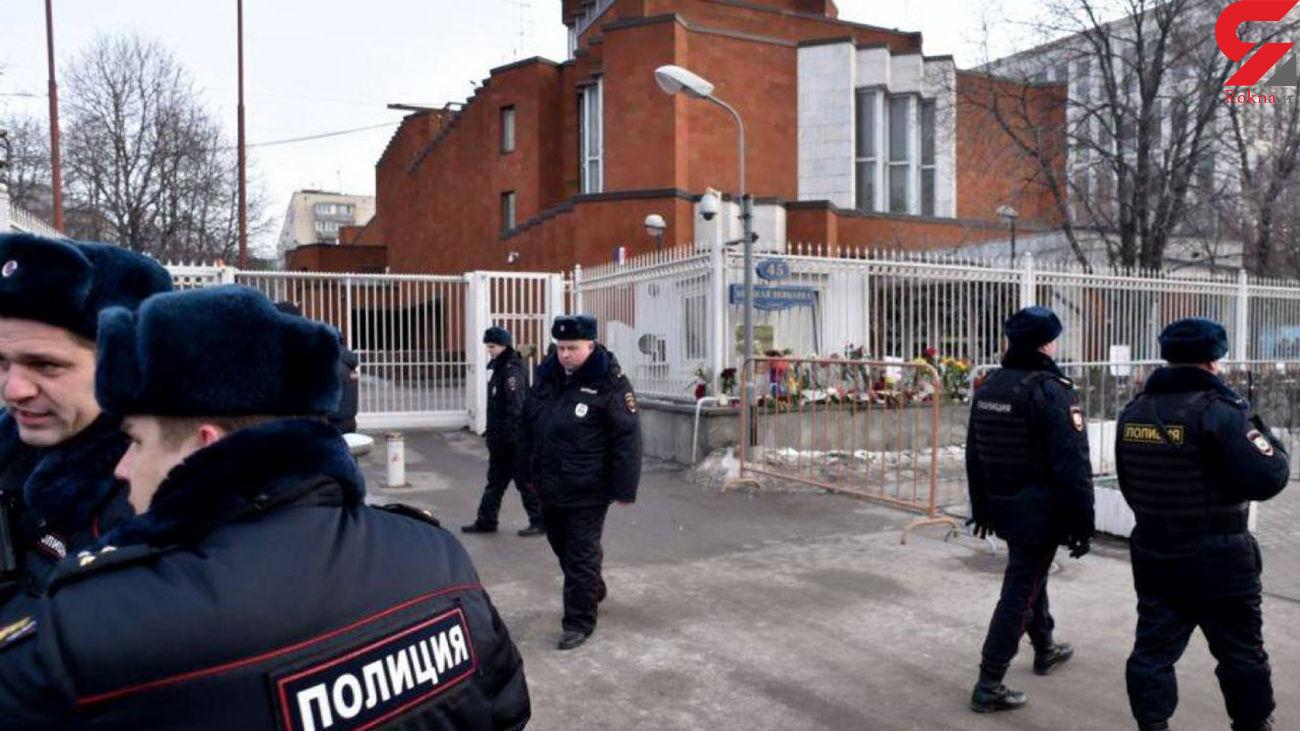 بازداشت عروس و داماد که وسط بزرگراه می رقصیدند  + فیلم / روسیه