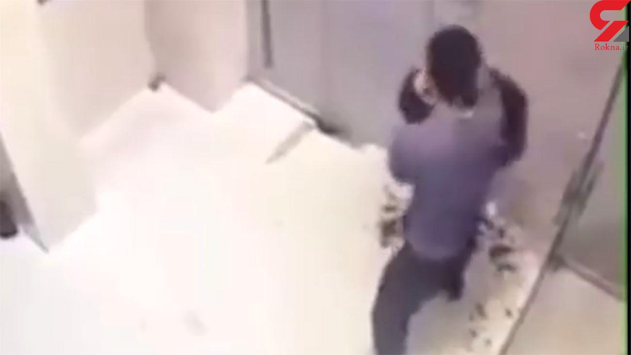 فیلم دلخراش از صحنه قتل یک مرد با ضربات متعدد چاقو در صف عابربانک + عکس