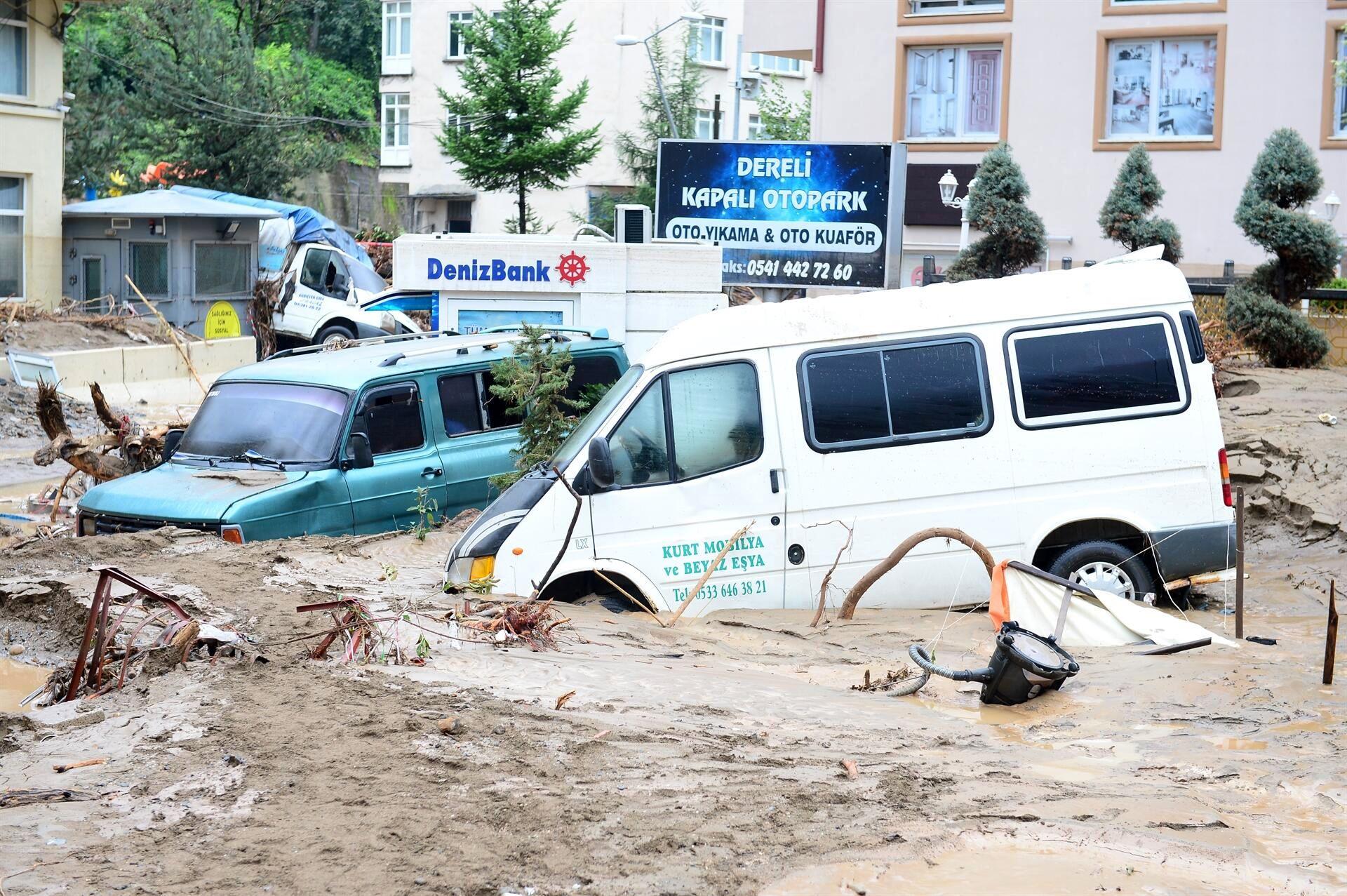 مفقود و کشتهشدن شهروندان ترکیه در پی وقوع سیل+ تصاویر